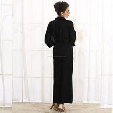Robe de cetim longo em preto