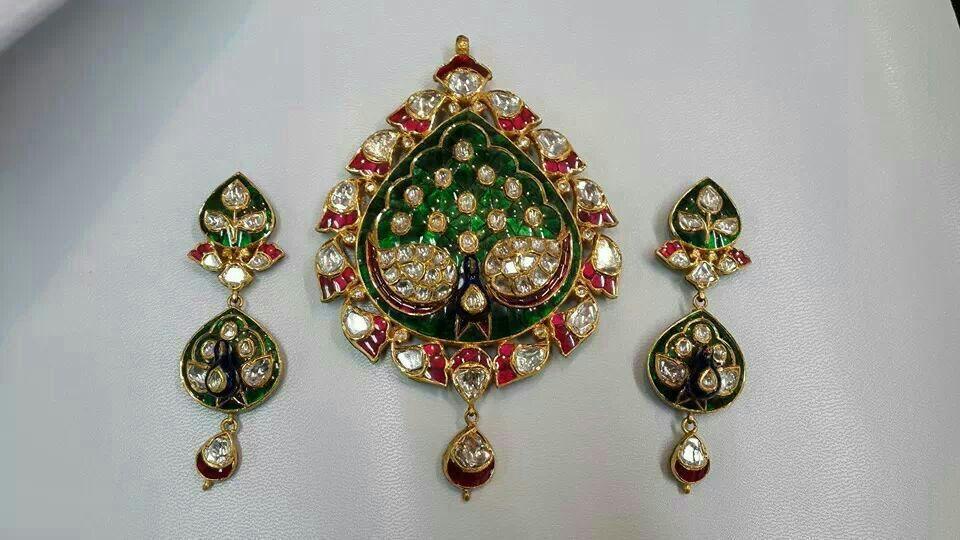 22k gold kundan pendant set buy emerald necklace designs22k gold 2g aloadofball Choice Image