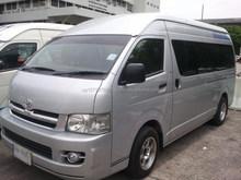 Used RHD Toyota Hiace commuter GL van 15 2010