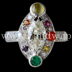Original and Luxury design ring with Natural stone and Diamonds
