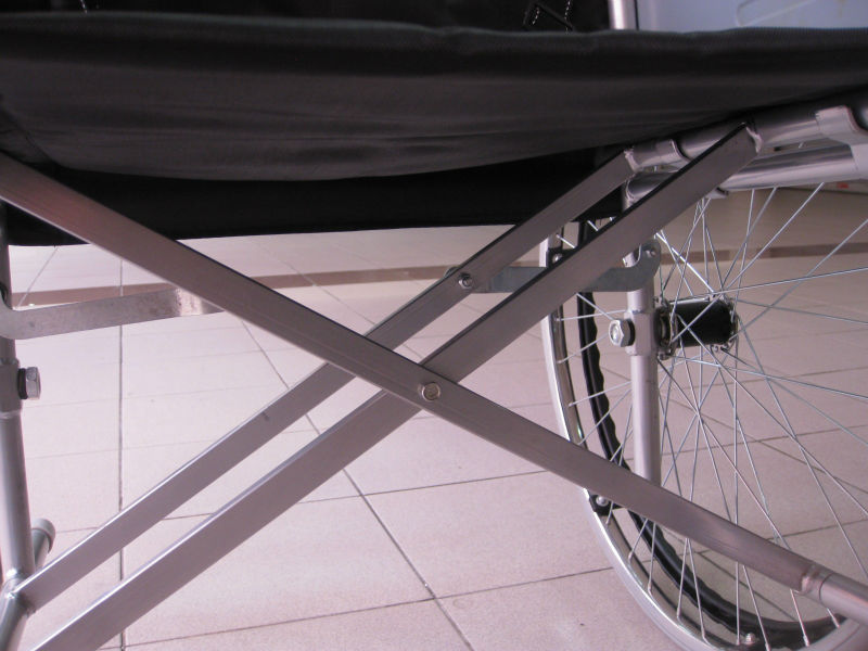 Solid tyre wheelchair p9