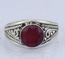 925 STERLING SOLID SILVER GEMSTONE JEWELRY FASHIONABLE BEAUTIUFL FASHION VINTAGE HYDRO RUBY RING