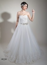Wedding dress lace body stone embroidered, ribbon tied back