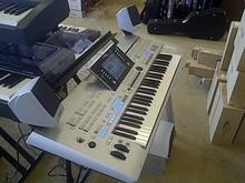 Tyros5 76-Key Arranger Keyboard Workstation