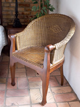 Colonial wicker chair