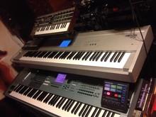 KRONOS-88 Kronos Music Workstation 88 Key Keyboard