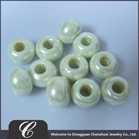 2013 Shiny polystyrene beads