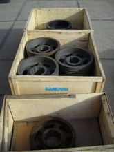 18 x Unused SANDVIK V belt crusher pulleys