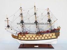 La LICORNE / UNICORN pintado maquetas de barcos de madera ( histórico documento de los buques modelo )