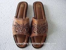 Zapatillas de cuero para el suministro de las señoras de las exportaciones